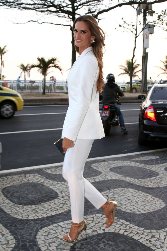 Izabel Goulart: Heads to Maracana Stadium for the opening ceremony of Olympic Games -03