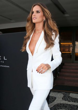 Izabel Goulart - Heads to Maracana Stadium for the opening ceremony of Olympic Games in Rio