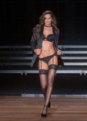 Izabel Goulart - Hope Parade Runway in Sao Paulo