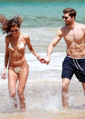 Izabel Goulart in Bikini with boyfriend on the beach in Recife Pic 10 of 35