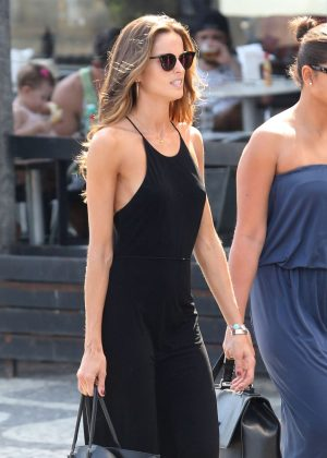 Izabel Goulart in Black out in Brazil