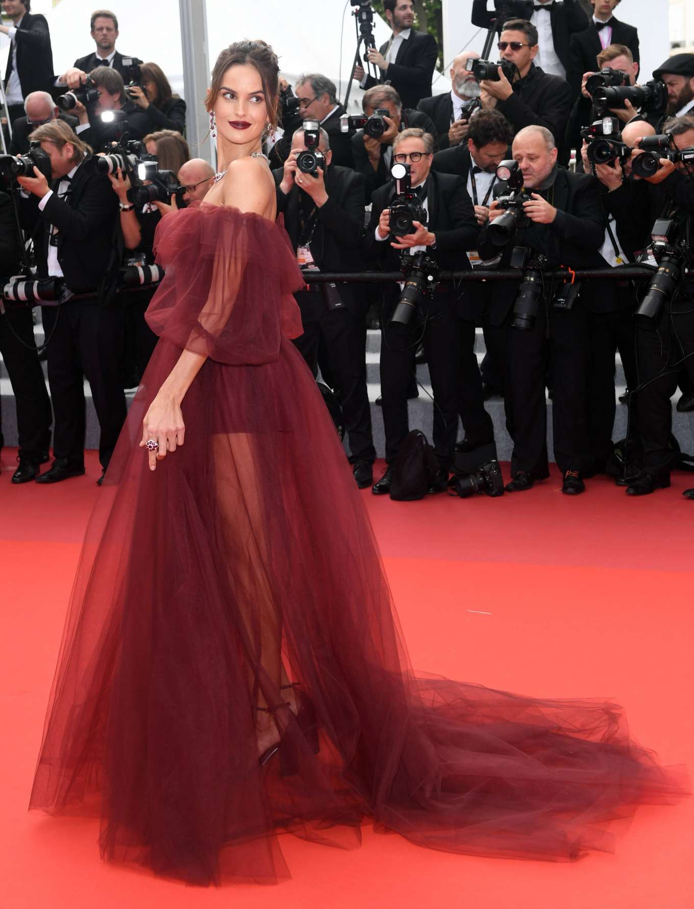Izabel Goulart - 'Oh Mercy!' Premiere at 2019 Cannes Film Festival