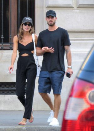 Izabel Goulart - Out in Paris