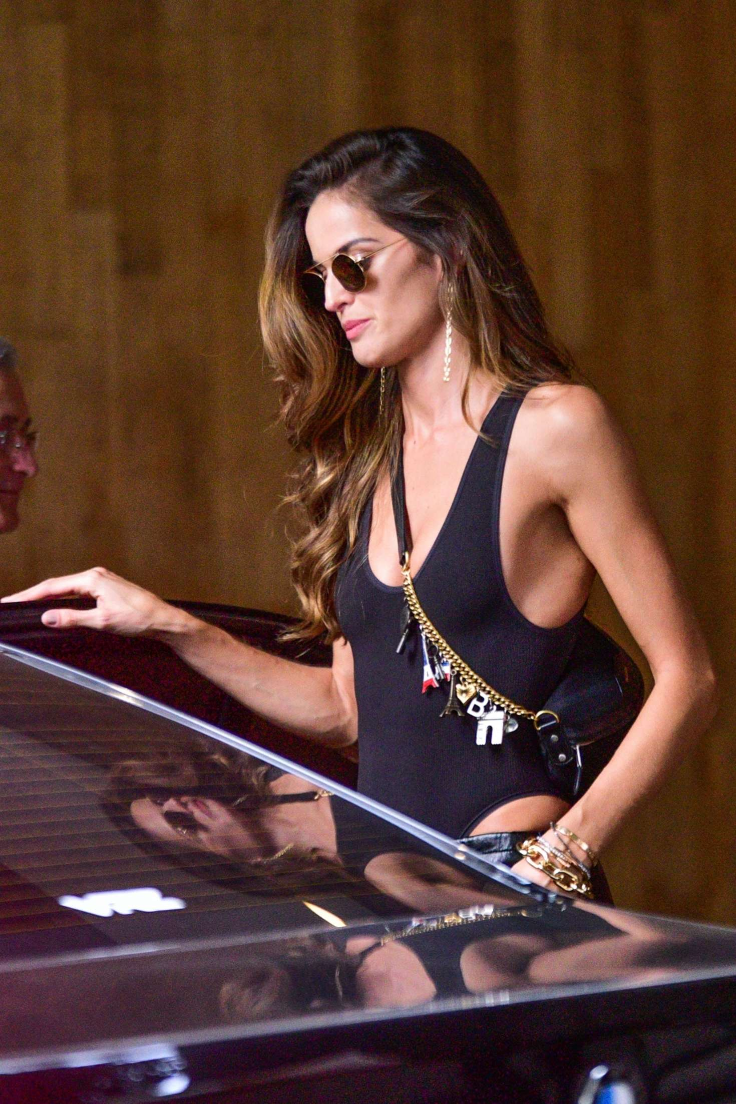 Izabel Goulart - Out in Sao Paulo