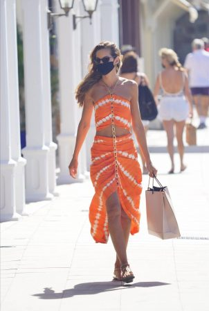 Izabel Goulart - Seen out in St Barths