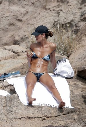 Izabel Goulart - Sunbathing in the Caribbean in St Barths