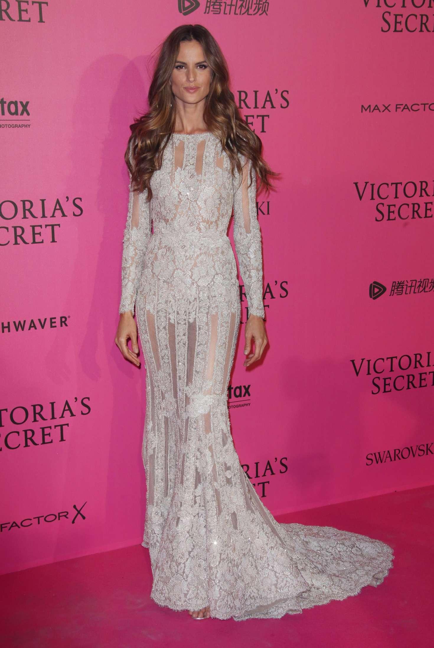 d8ae2b8997 Izabel Goulart  Victorias Secret Fashion Show 2016 After Party -04 ...