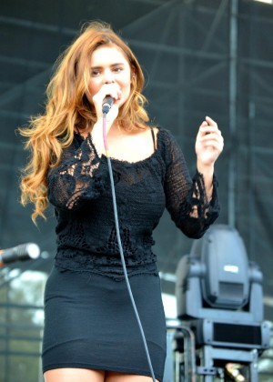 Jacquie Lee - Performance at White River State Park in Indianapolis