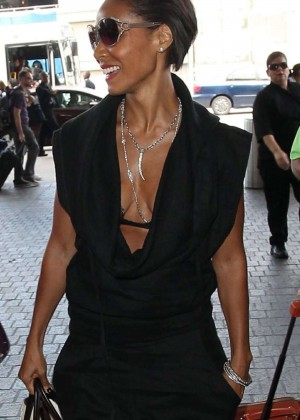 Jada Pinkett Smith - Arriving at Los Angeles International Airport