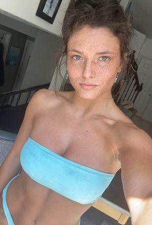 Jade Chynoweth - Social media