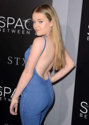 Jade Pettyjohn - 'The Space Between Us' Premiere in Los Angeles
