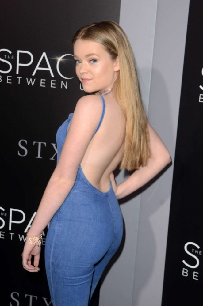 Jade Pettyjohn - 'The Space Between Us' Premiere in Los Angeles