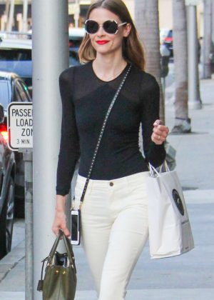 Jaime King at the nail salon in Beverly Hills