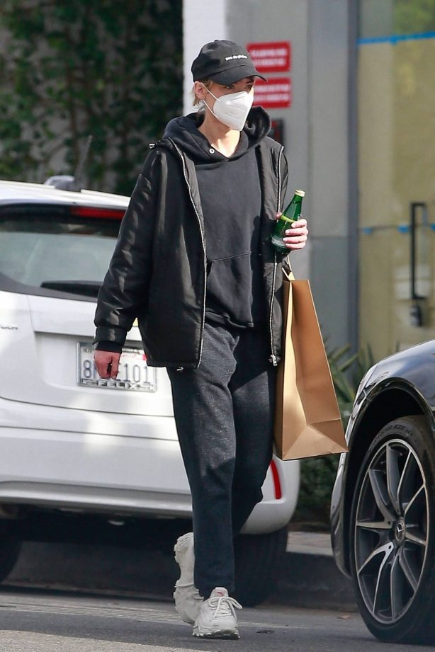 Jaime King - Out in comfy style for a shopping in Los Angeles