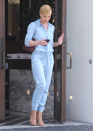 Jaime Pressly Leaving Cecconi's in Los Angeles