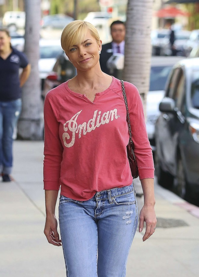Jaime Pressly in Jeans visits to a medical building in Beverly Hills