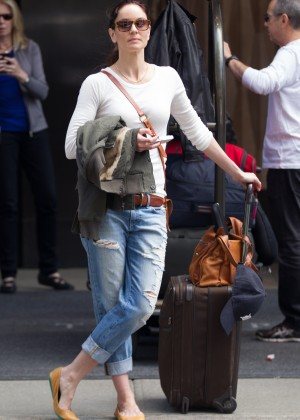 Jaimie Alexander in Ripped Jeans -05