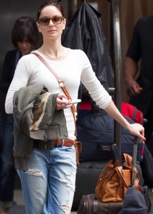 Jaimie Alexander in Ripped Jeans -06