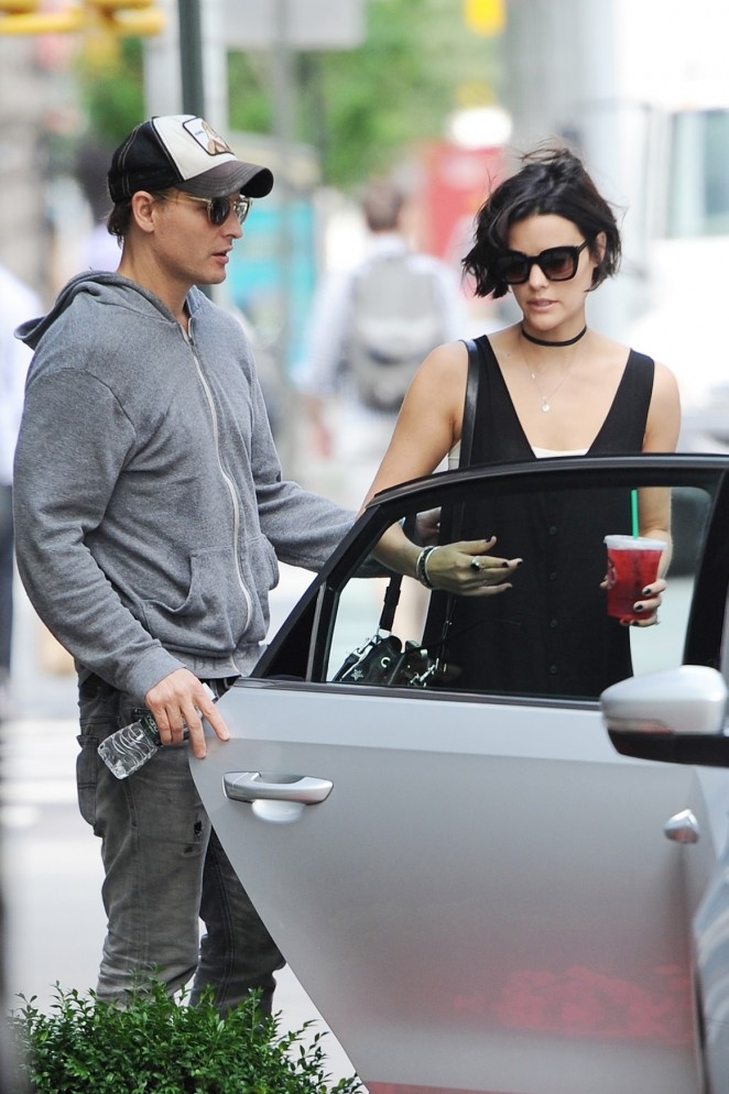 Jaimie Alexander With Peter Facinelli Out in NY