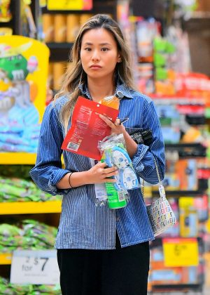Jamie Chung - Shopping in LA