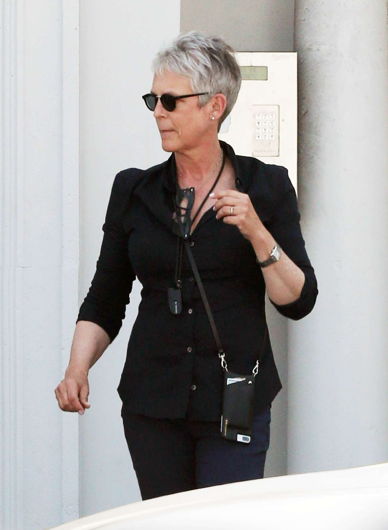 Jamie Lee Curtis out a...