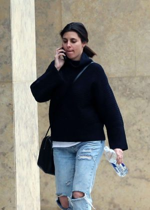 Jamie Lynn Sigler in Ripped Jeans out in Los Angeles