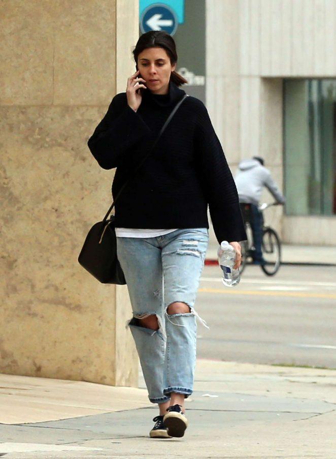 Jamie Lynn Sigler in Ripped Jeans -04