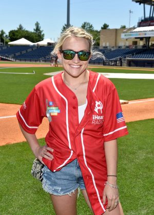 Jamie Lynn Spears - 26th Annual City of Hope Celebrity Softball Game in Nashville