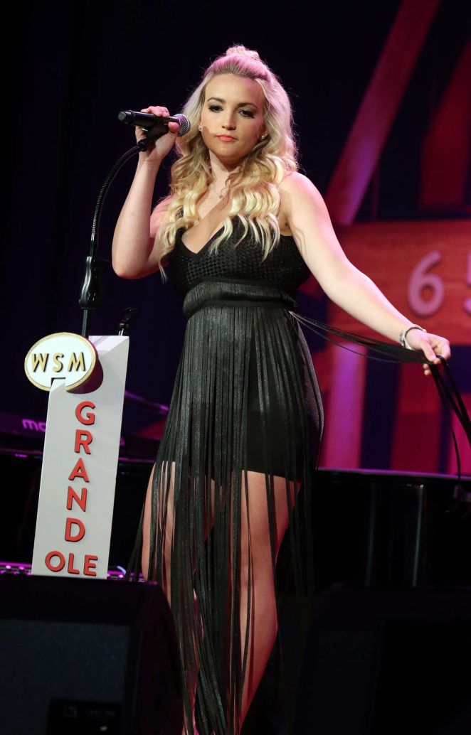 Jamie Lynn Spears - Performing at The Grand Ole Opry in Nashville