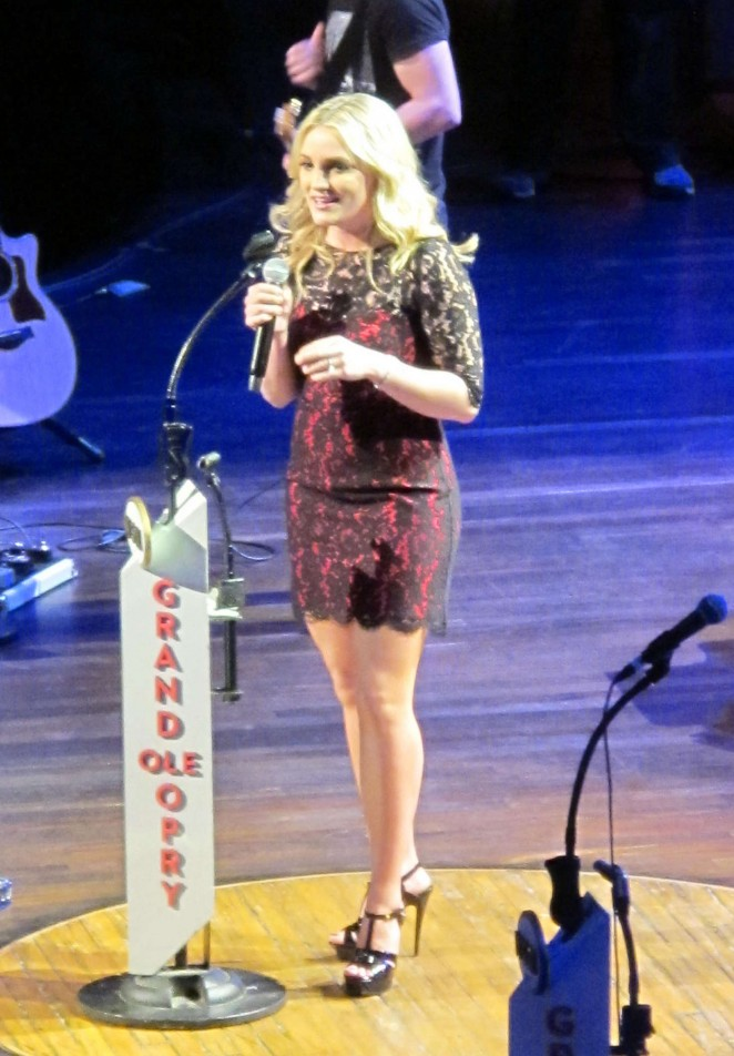 Jamie Lynn Spears - Performs at the Grand Ole Opry in Nashville