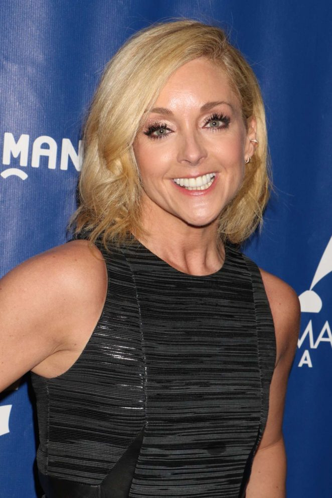 The 48-year old daughter of father Ed Krajkowski and mother Barbara Krajkowski, 164 cm tall Jane Krakowski in 2017 photo