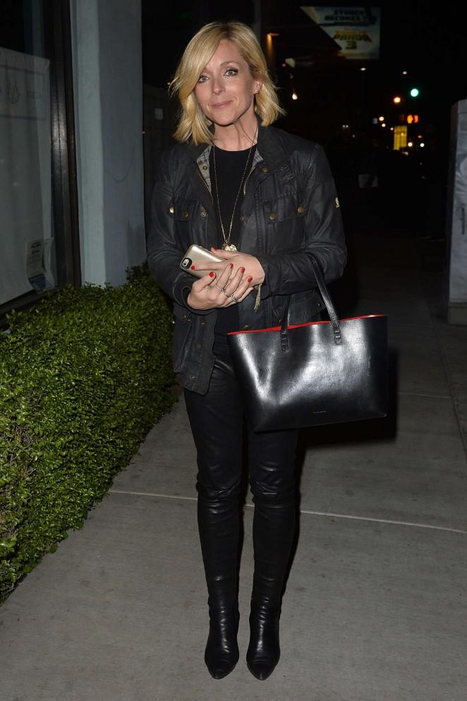 Jane Krakowski Leaves an LA Film Critics Party -05