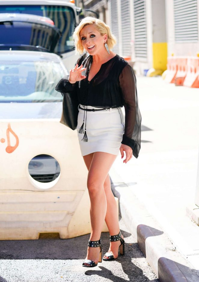 Jane Krakowski - Out and about in New York City