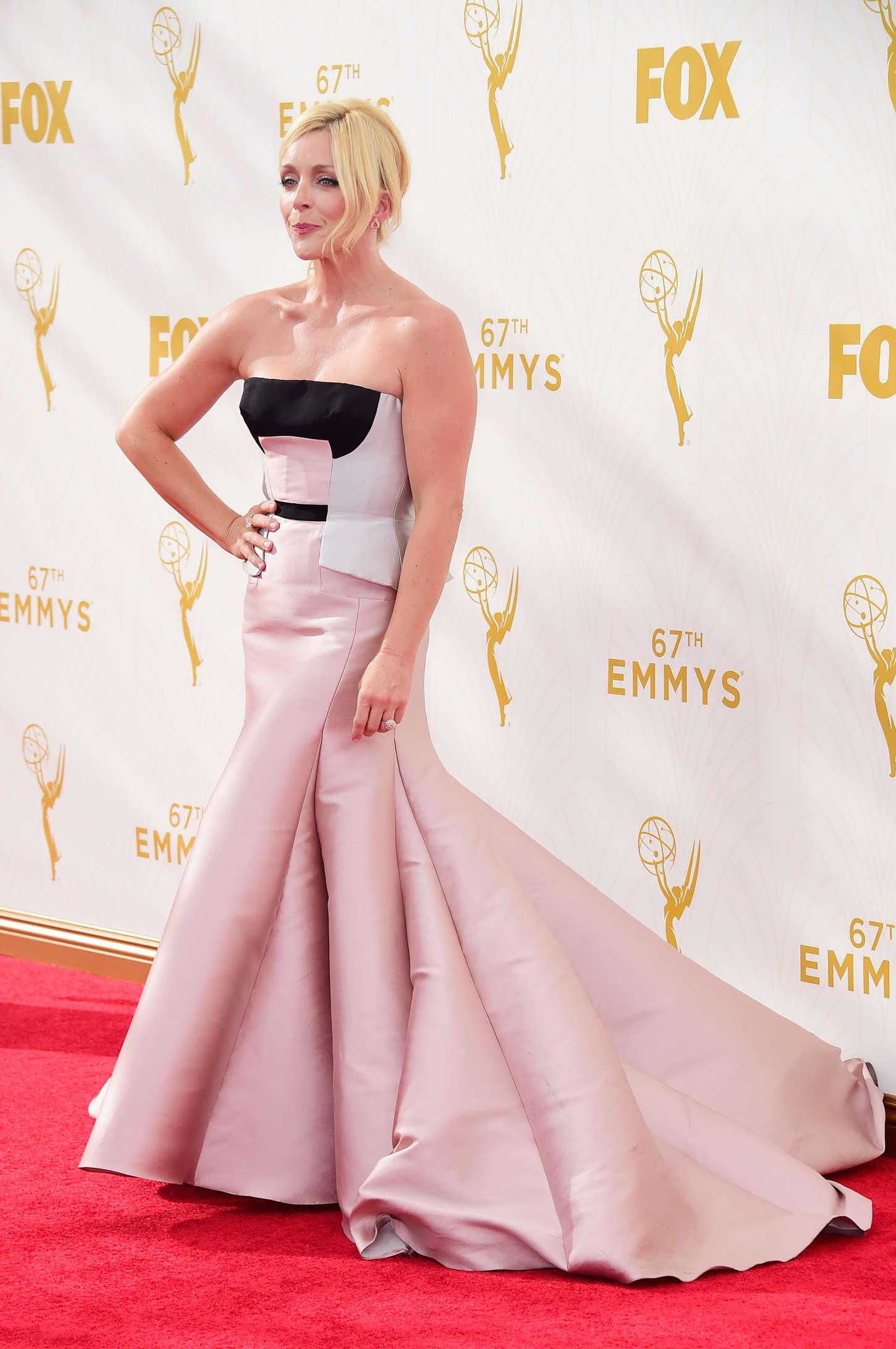 Jane Krakowski 2015 : Jane Krakowski: 2015 Emmy Awards -02
