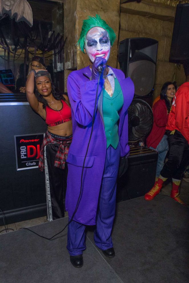Janelle Monae Performs at the 90s Halloween Party at Josephs Cafe -16  sc 1 st  GotCeleb & Janelle Monae: Performs at the 90s Halloween Party at Josephs Cafe ...