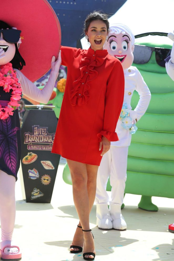 Janina Uhse - 'Hotel Transylvania 3 A Monster Vacation' Photocall at 2018 Cannes Film Festival