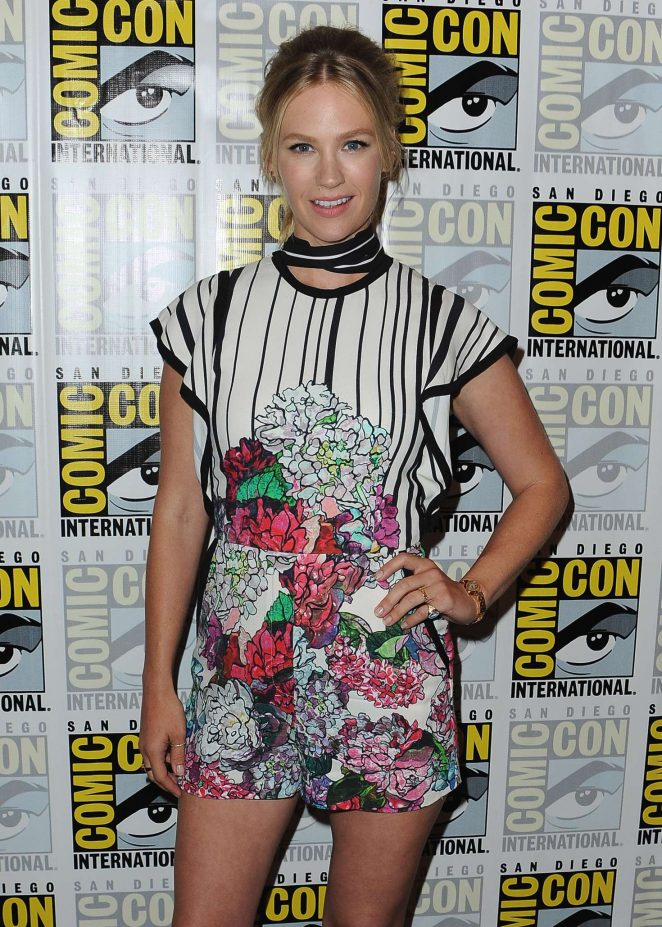 January Jones: Last Man on Earth Press Line at Comic-Con International -09