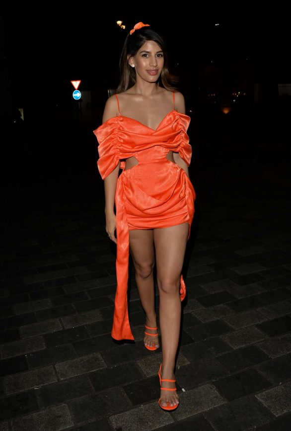 Jasmin Walia - Arrives at Halloween Party in London
