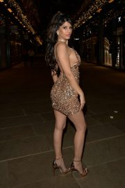 Jasmin Walia - Arriving at Madisons Bar in London