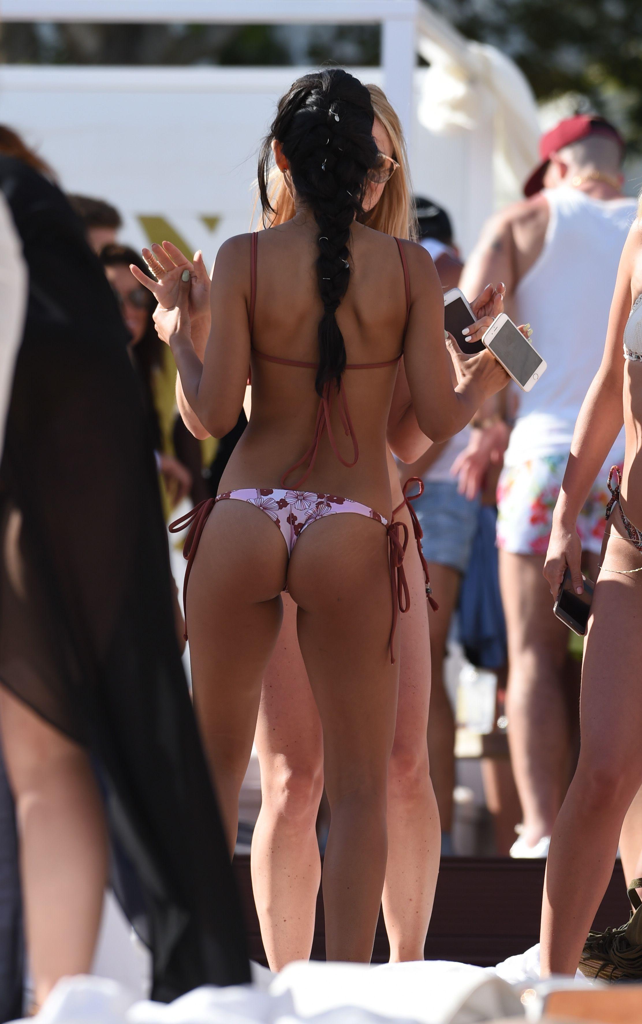 Jasmin Walia in Bikini 2016