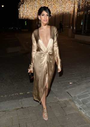 Jasmin Walia - Leaving Berkeley Hotel in London