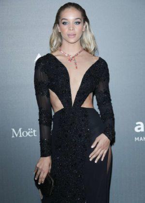 Jasmine Sanders - 2017 amfAR gala in Milan