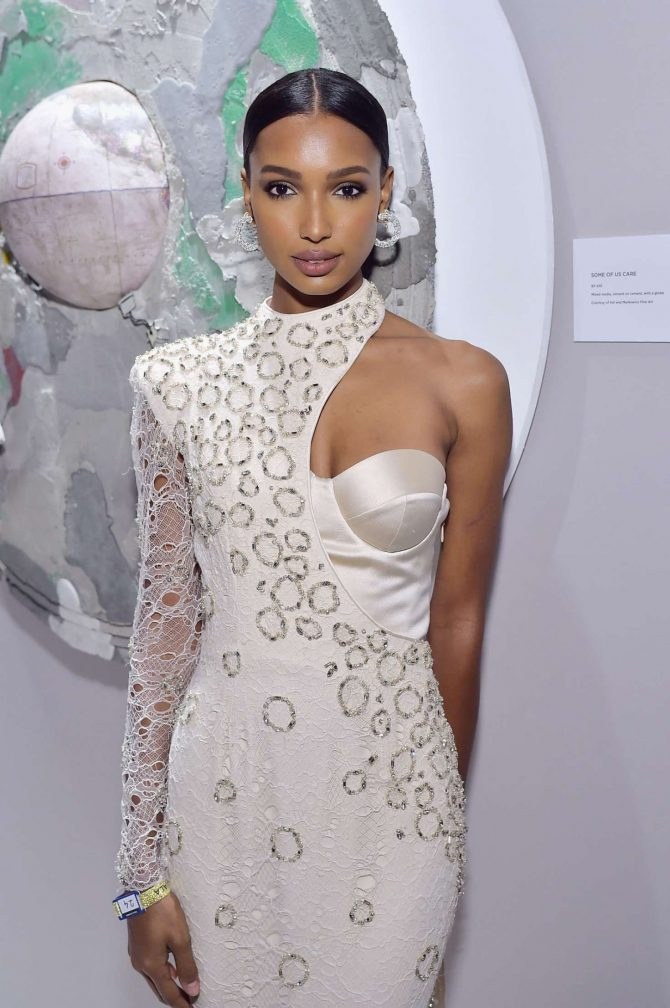 Jasmine Tookes - 2019 Hollywood for Science Gala in LA