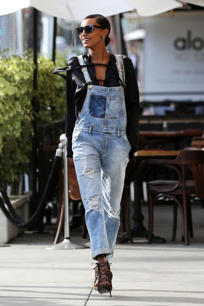 Jasmine Tookes at Il Pastaio with friends in Beverly Hills