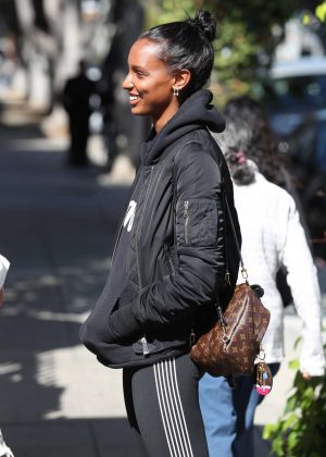 Jasmine Tookes - Has lunch with a friend at The Ivy in West Hollywood
