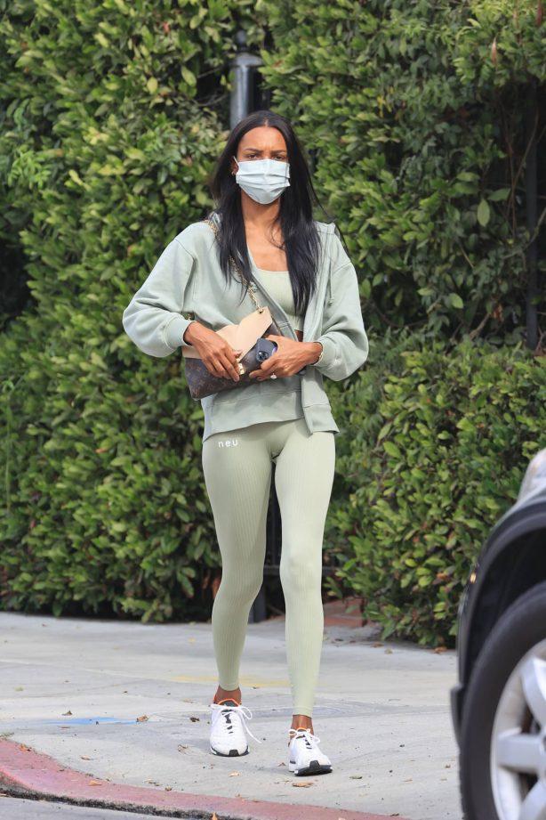 Jasmine Tookes - Heading to the gym