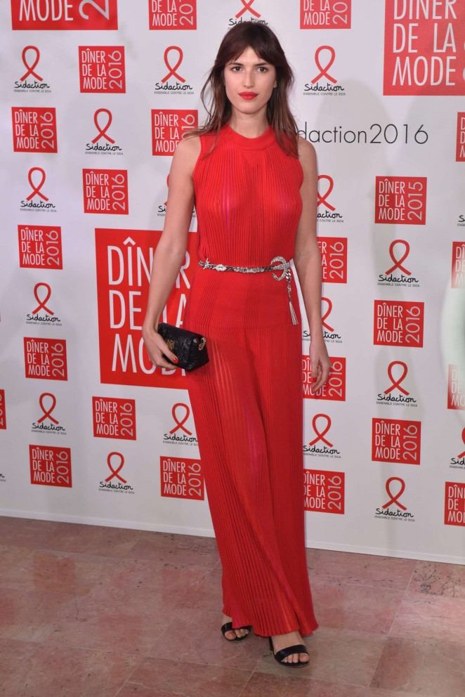 Jeanne Damas - Sidaction Gala Dinner 2016 in Paris
