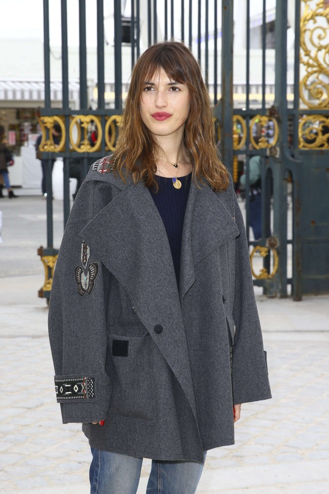Jeanne Damas - Valentino Fashion Show 2016 in Paris