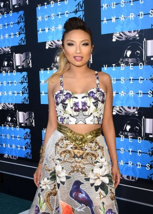 Jeannie Mai - 2015 MTV Video Music Awards in LA