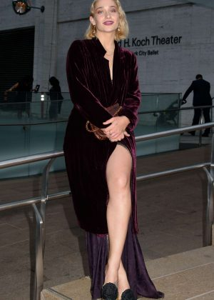 Jemima Kirke - Arrives at Metropolitan Opera in New York